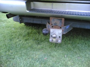 The towbar drop plate ensure that the trailer tent rides level when being towed